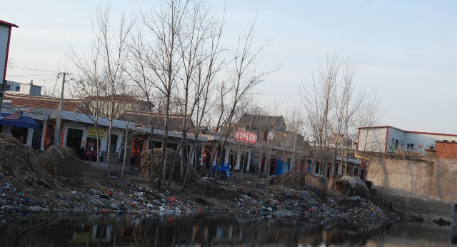 呼吁两会代表关注农村垃圾污染(照片+视频… - 时寒冰 - 时寒冰的博客
