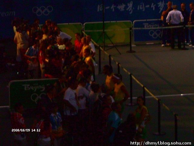 现场观看了奥运女排比赛巴西对阿尔及利亚队 高清图片