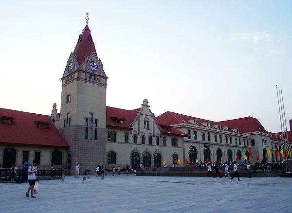 一百年不落后的青岛火车站