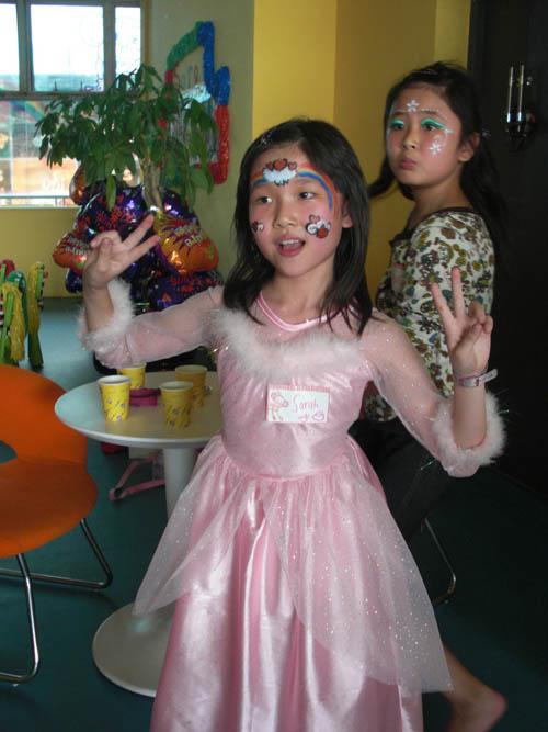 ◆派对内容:生日派对场地布置,邀请卡,脸部彩绘,游戏,手工