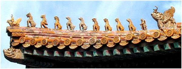 故宫屋顶的小动物有什么象征意义?